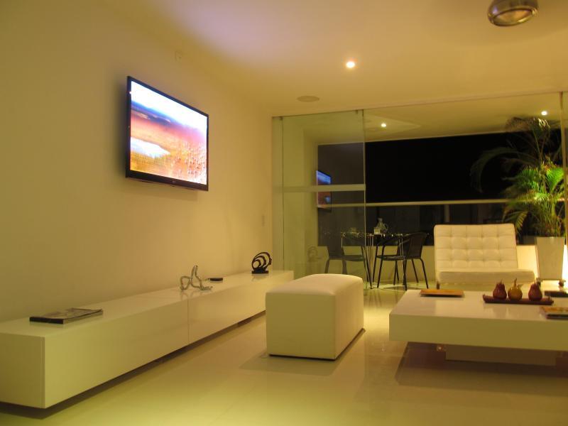 Oceanfront Luxury Penthouse 25 C2, vacation rental in Cartagena