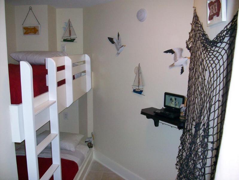 Waterscape bunk room