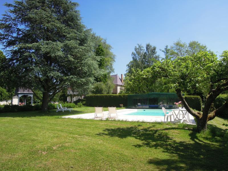 Swimming pool, 6-6-013