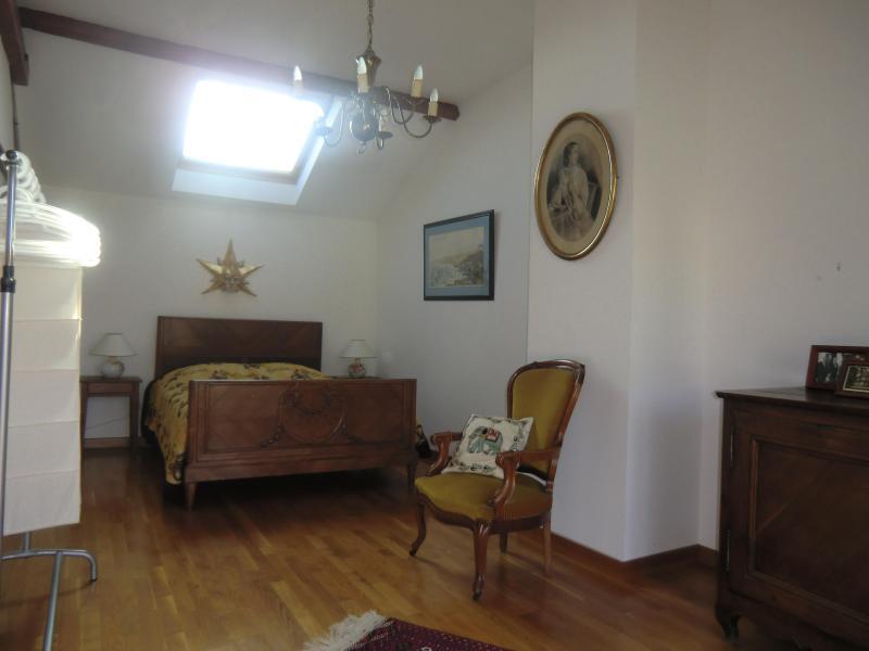 2nd floor Masterbedroom