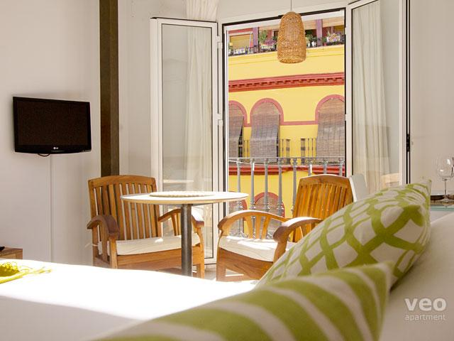 Feria 2B. Modern and bright, vacation rental in Seville