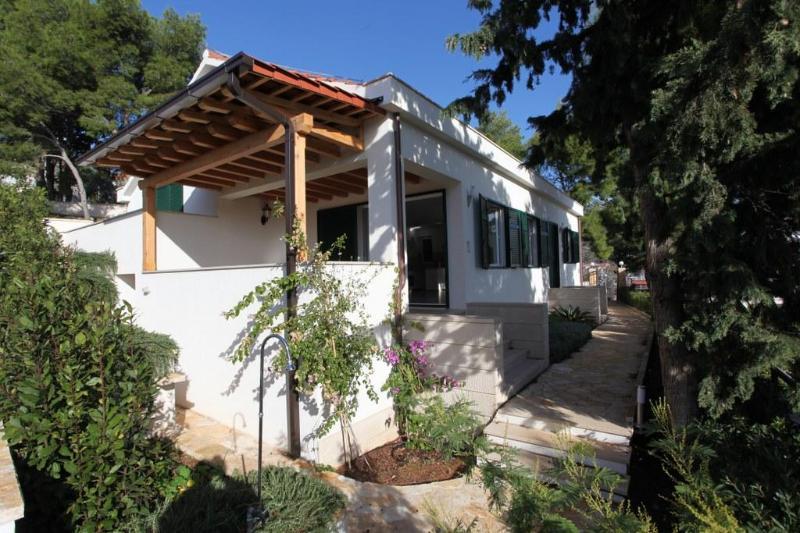 Vue de face, Villa Ida, Milna Brac Île