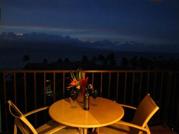 HUGE SAVINGS!!!  Come see the WHALES!  All remaining dates ONLY $350/night!!!, holiday rental in Lahaina