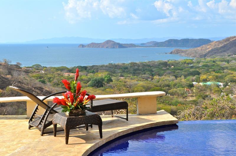 Summer Deal! Two FREE Massages! Incredible 6 Bedroom Ocean View Villa, location de vacances à Playa Hermosa