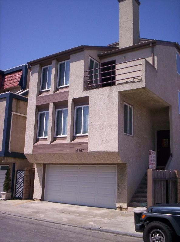 16407 25th Sunset Beach ~ Front Exterior Street View ~ Four Floors of Fun & Sun & GREAT Holiday Life