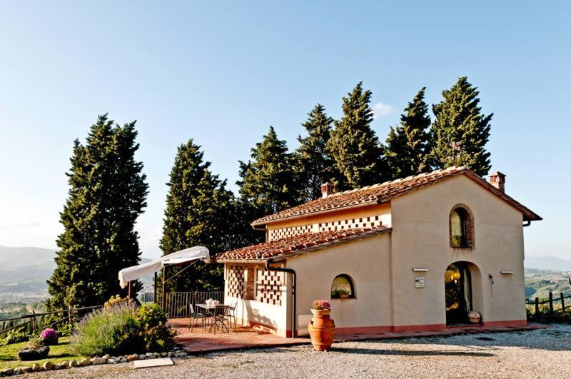 Private house for 4 persons near Montelupo Fiorentino with pool and Jacuzzi!, holiday rental in Sammontana