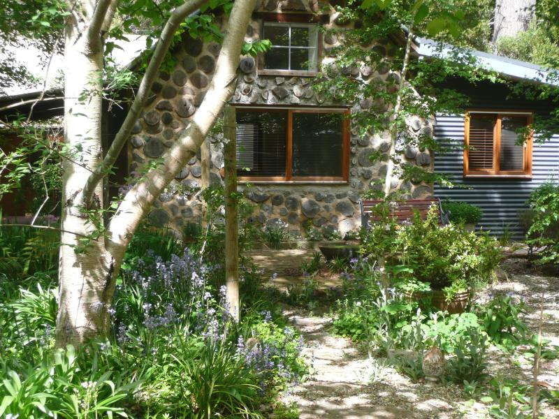 Garden Cottage - your entrance path