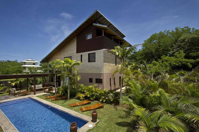 Woodbox luxury beach villa on Costa Rica's Gold Coast/Playa Junquillal, Guanacaste