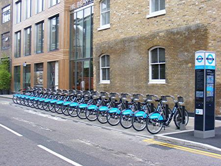 Municipal cycle hire in the street