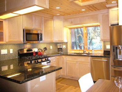 Fairway Woods, Gourmet kitchen, Dishwasher, Ice Maker.