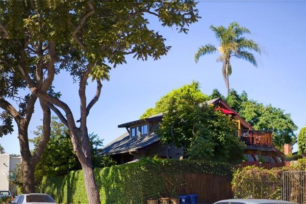 BABY DUX - Sweet Hideaway in the Heart of the Fun, holiday rental in Santa Barbara