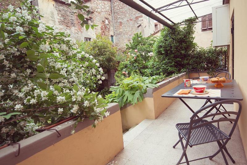 Terrasse auf den privaten Garten