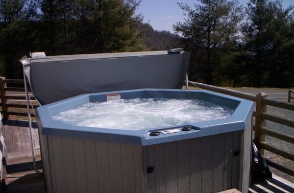 Adam's Wildcat Cabin, holiday rental in Boone