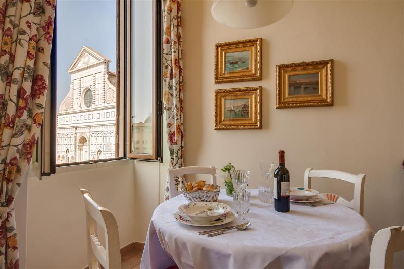 Prestigious Apartment in S. Maria Novella in Florence, holiday rental in Florence