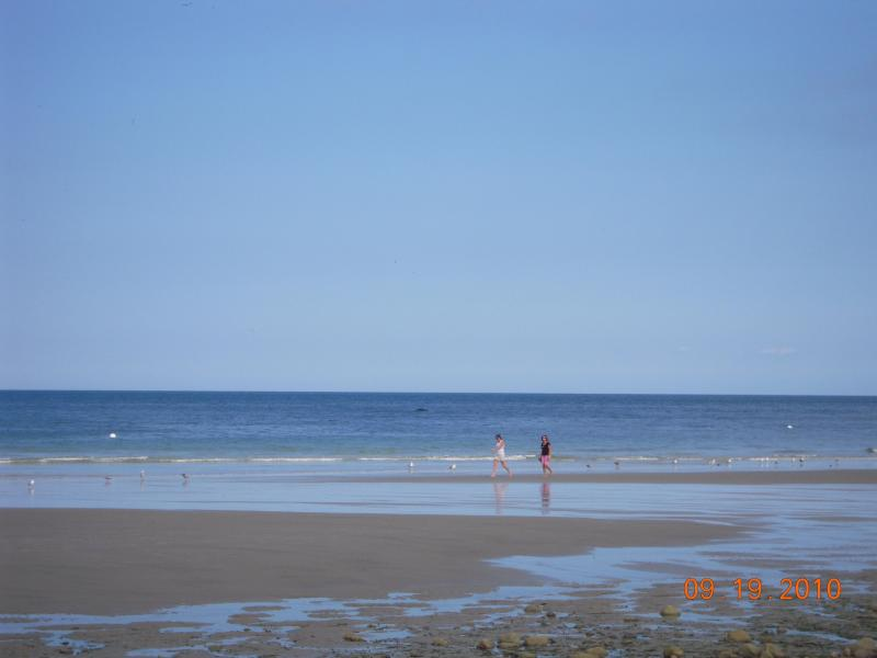Plymouth 4 Bdrm. A/C home 2 min. to Private Beach, vacation rental in Manomet