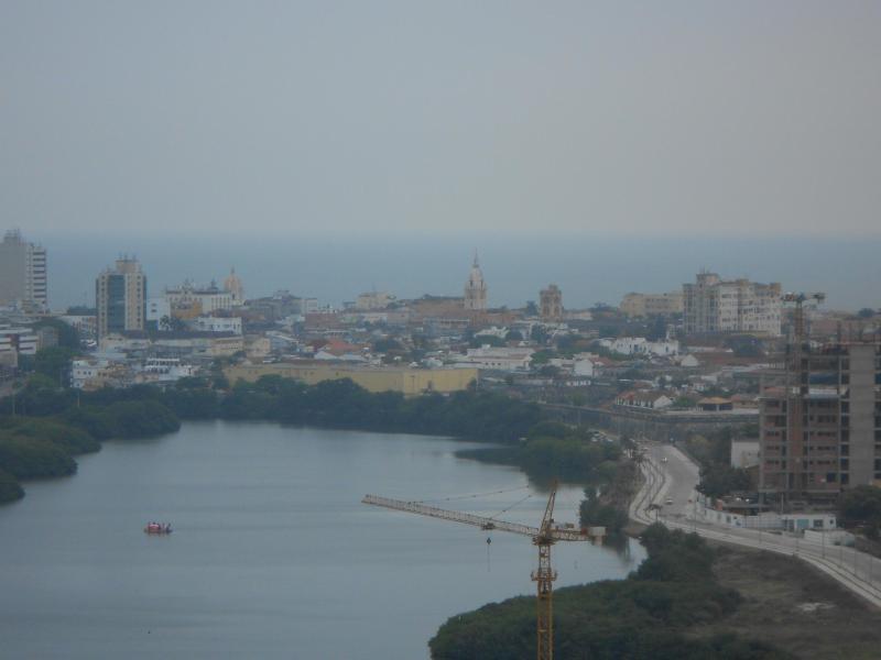 Uitzicht vanaf het gebouw naar het centrum van de stad
