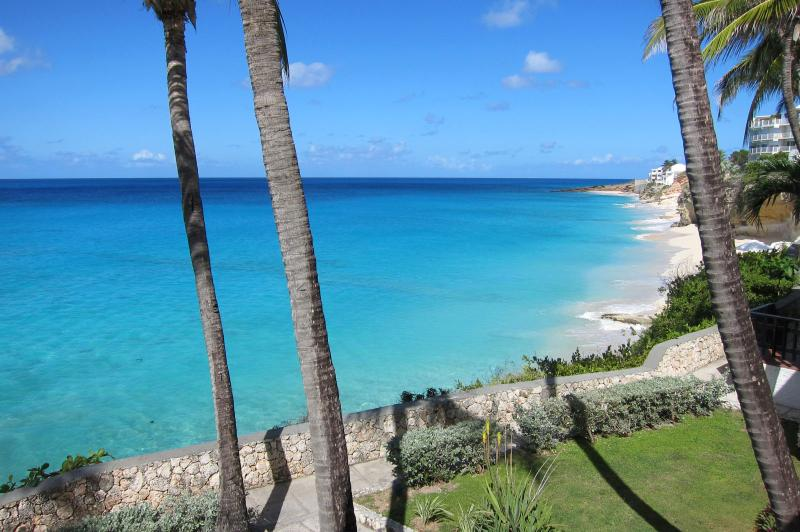 ACADIA...3BR offering gorgeous views from the cliffs of Cupecoy, Dutch St. Maart, vacation rental in Maho