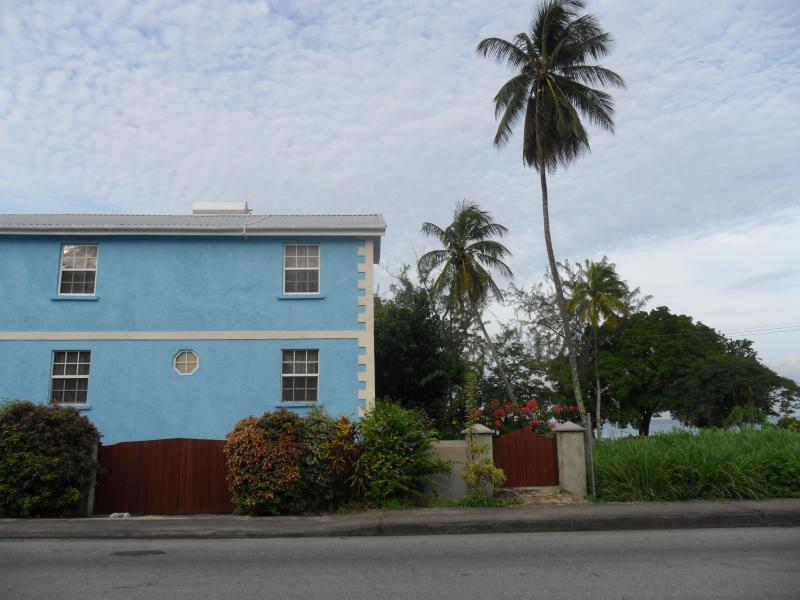 Turtle Shore Beach House Rental, holiday rental in Fitts