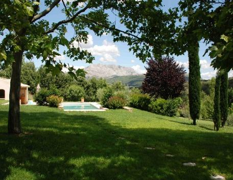 Terrific Holiday Rental Villa with Pool in Meyreuil Aix en Provence, holiday rental in Mimet