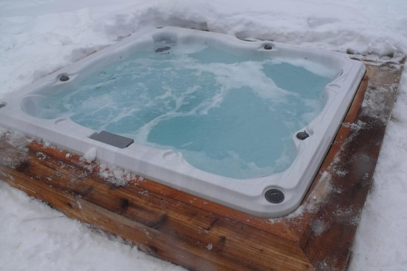 6 person Hot Tub