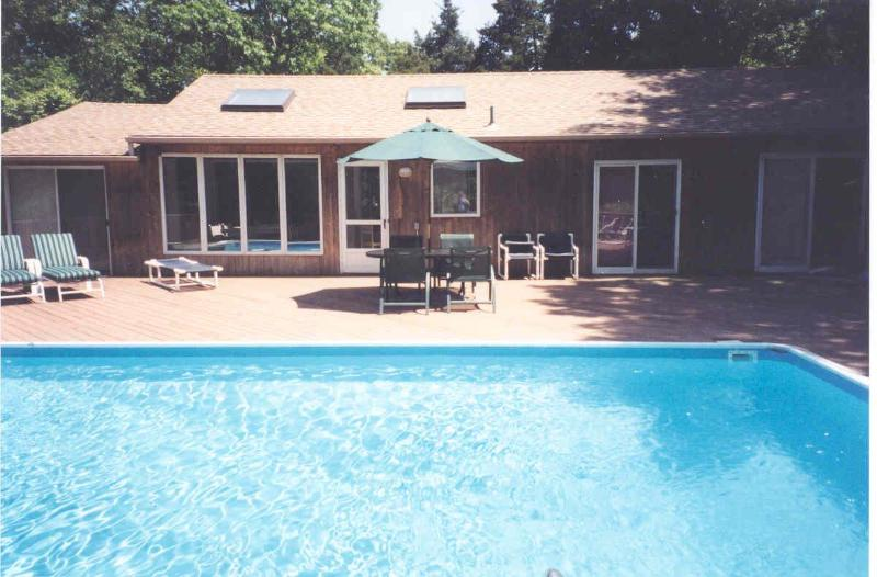 East Hampton 4 Bedroom with Private Beach 2min