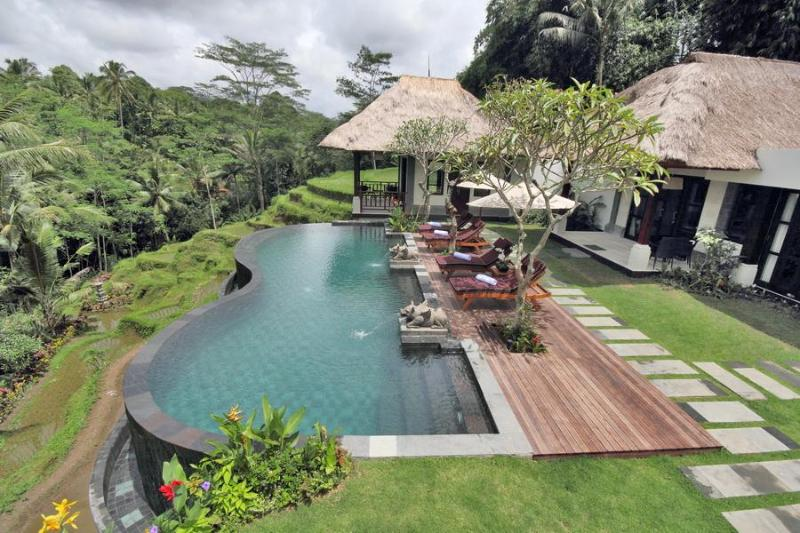 Villa Amrita Infinity Pool and View