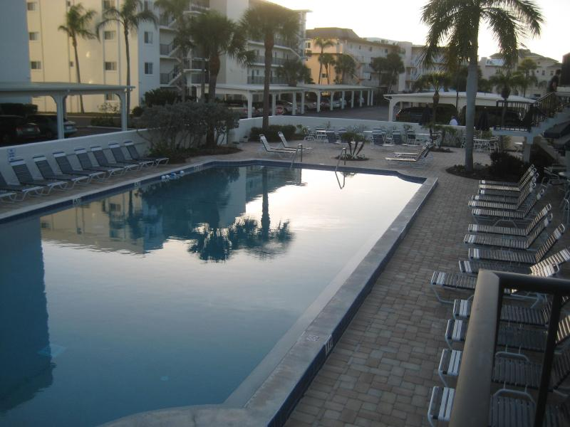 4 Bedroom with Gulf View Siesta Key FL Beach Fun, vacation rental in Siesta Key