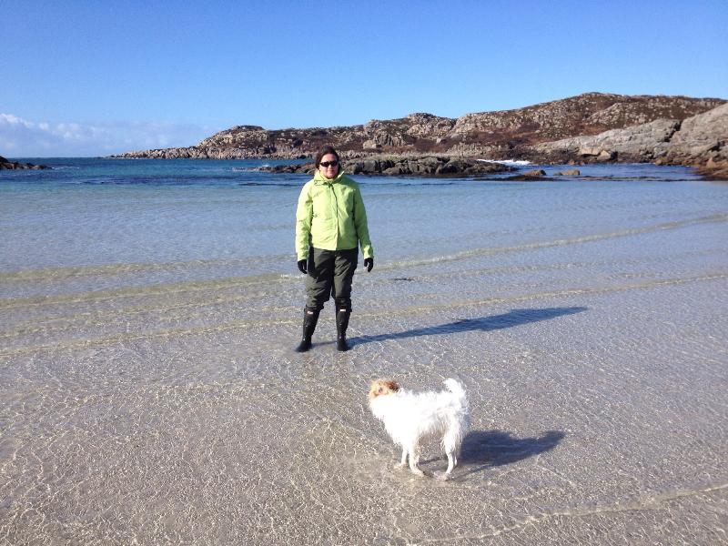 Jackie & Scruffy op strand