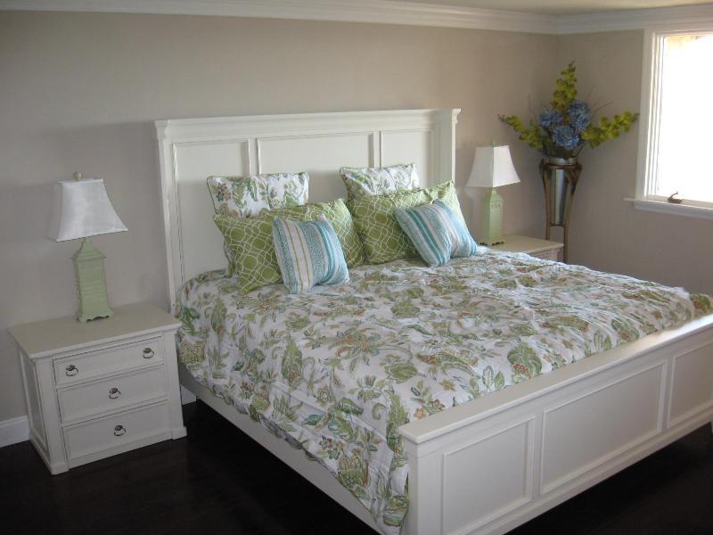 First floor oceanfront king bedroom