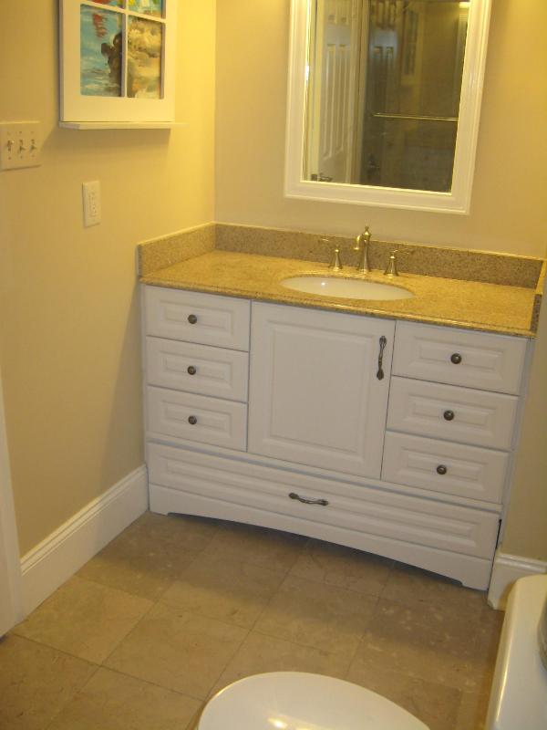 3rd floor full bath with shower with jetted tub