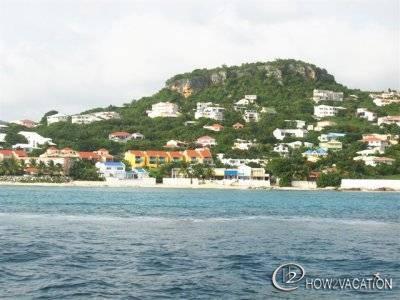 SMART VILLA...3BR beachfront vacation rental in Pelican Key, St Maarten