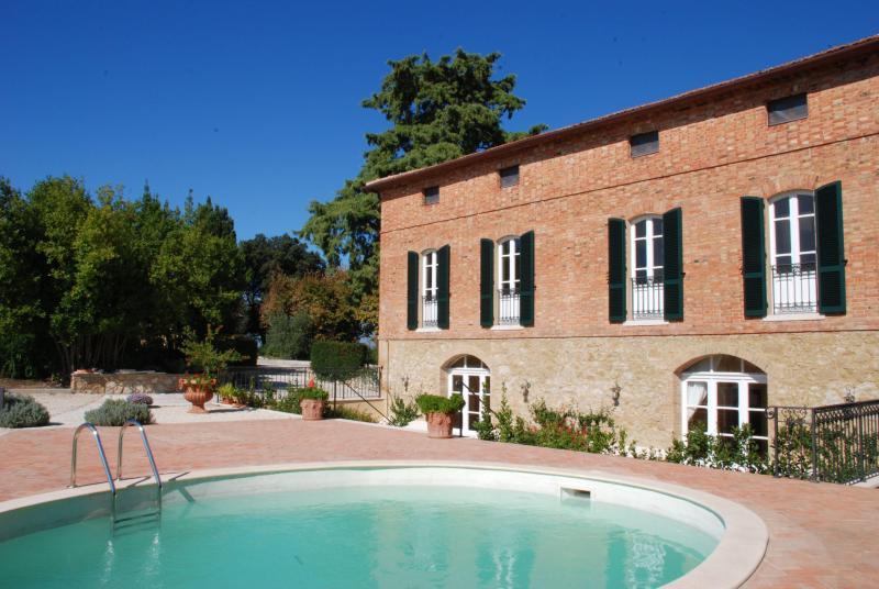 Villa Oliveto, location de vacances à Montisi
