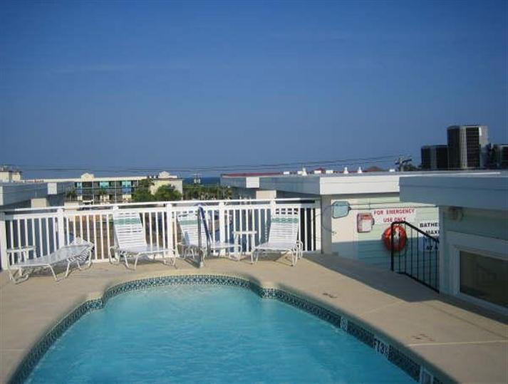 Shared roof top pool