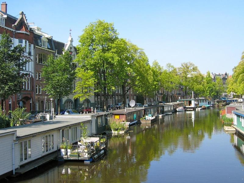 Amsterdam City Canal Apartment:  2 bedroom + 2 bathroom (up to 4 people), holiday rental in Amsterdam