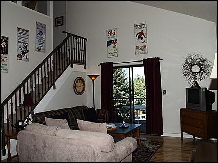 Living Room - Vaulted Ceilings