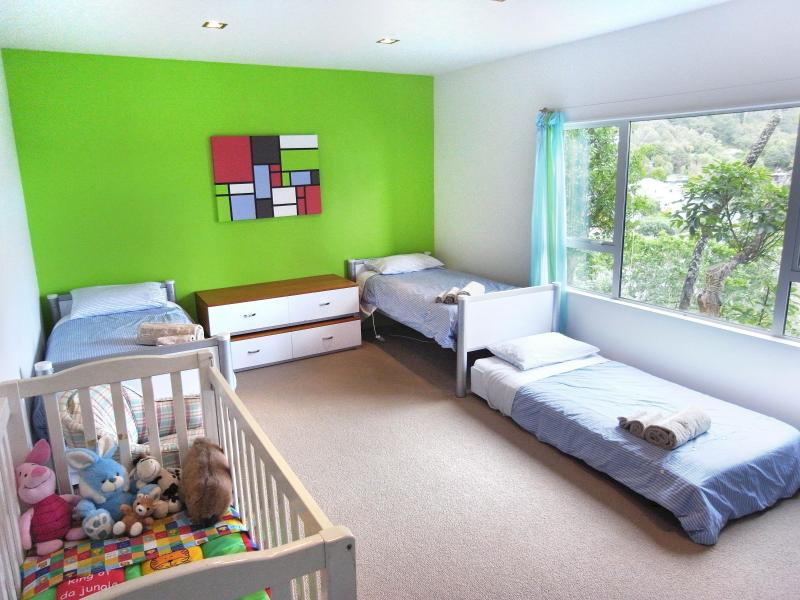Family Room with 4 beds and cot