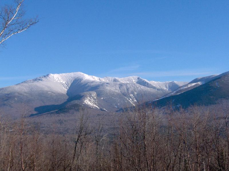 Franconia Notch Retreat, Huge Views, Hot Tub, A/C. 4 BR, optional apartment, alquiler de vacaciones en Bath