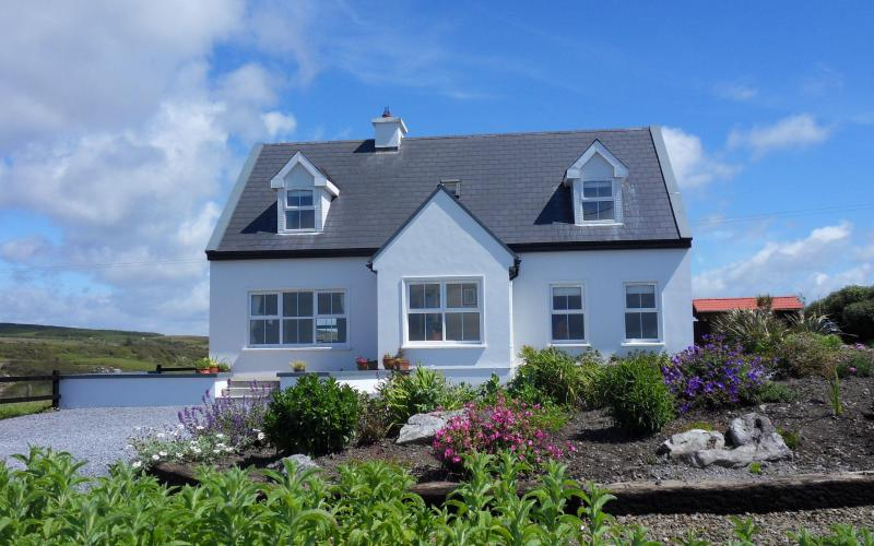 The Wildberry Cottage panoramic views of ocean, holiday rental in The Burren