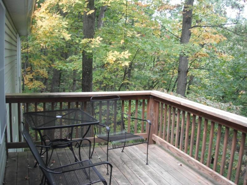Upper deck with gas grill