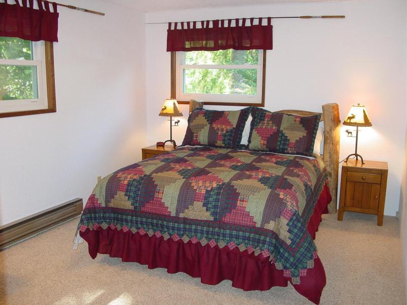 Bedroom #1 | Queen Bed | River Views!
