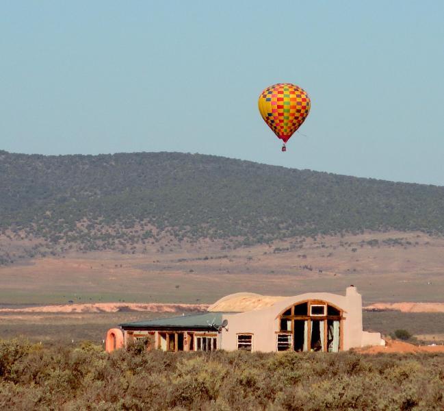 Located in the beautiful Taos Mesa