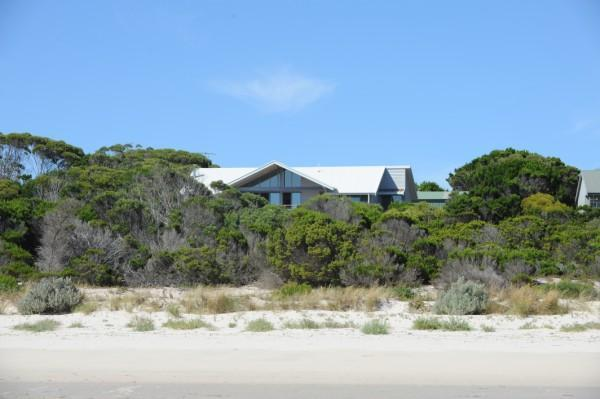 Cassini Beach House - luxury beach font property, holiday rental in Kangaroo Island