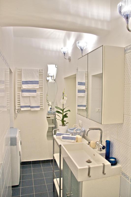 Boschetto Cove Bathroom