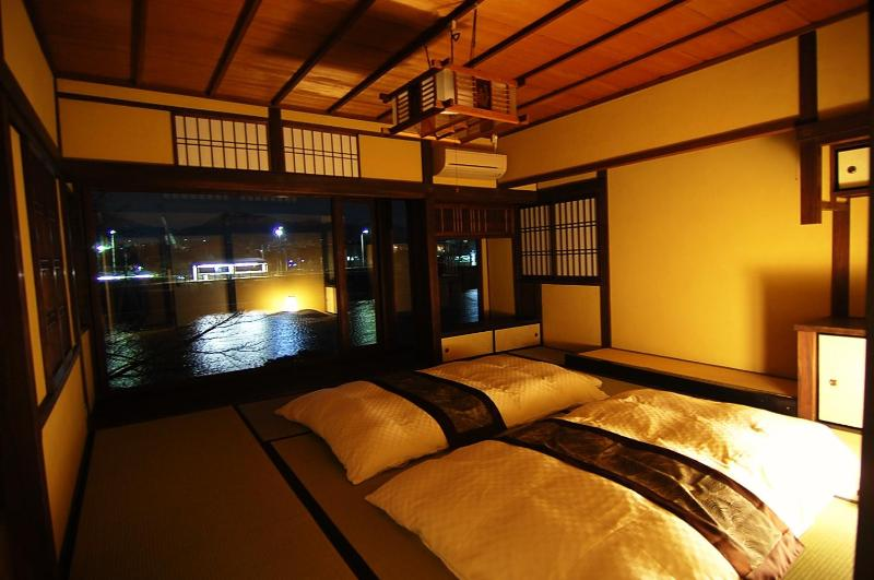 Main bed room on 2nd floor