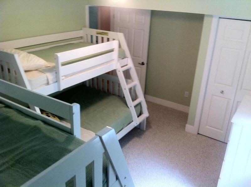 Habitación doble con dos camas literas