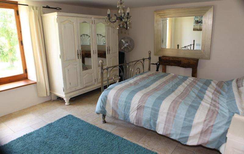 Kingsize bedroom ground floor