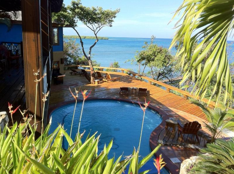 Luxury Ocean front Caribbean Villa, car included, holiday rental in Politilly Bight