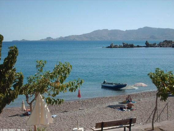 Haraki Beach Apartment with magnificent views, holiday rental in Charaki