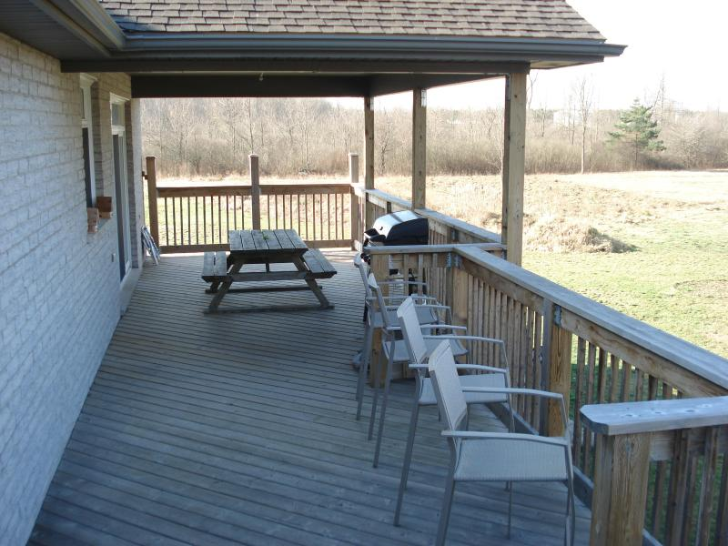 Walk out Deck off Masterbed/Kitchen