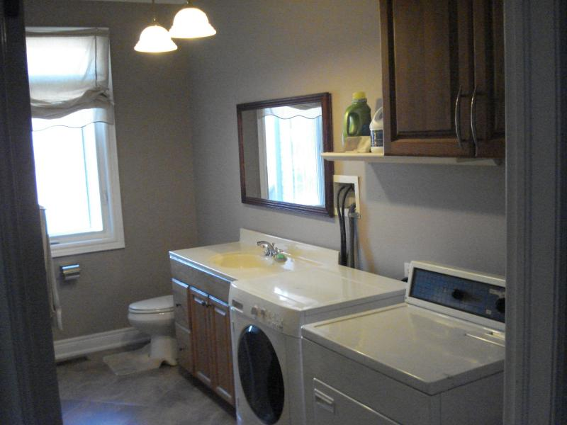 Cuarto de lavado / 3er cuarto de baño con ducha de pie